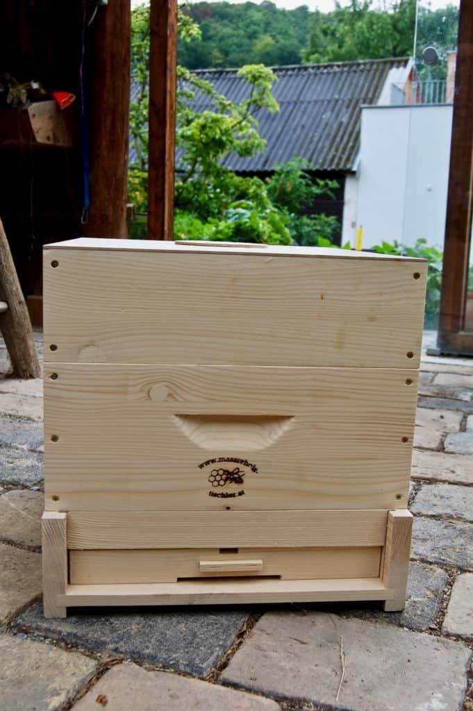 Bienenbeute mit drei Zargen