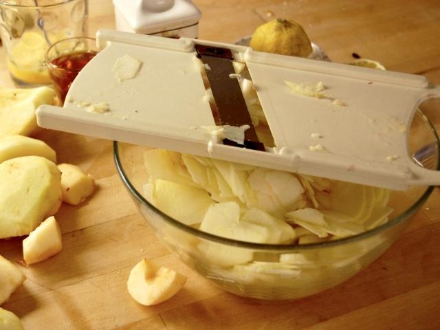 Äpfel zerkleinern