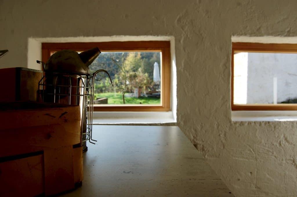 Imker-Zubehör und neue Fenster