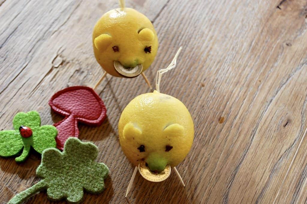 Zitronen-Schweinchen mit Glückspfennig