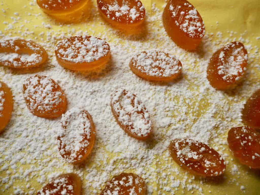 Honigzuckerl mit Staubzucker