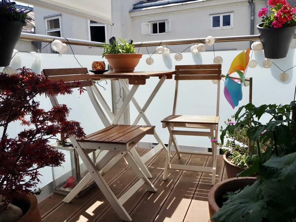 Schnelle Balkon-Umgestaltung: Neue Möbel