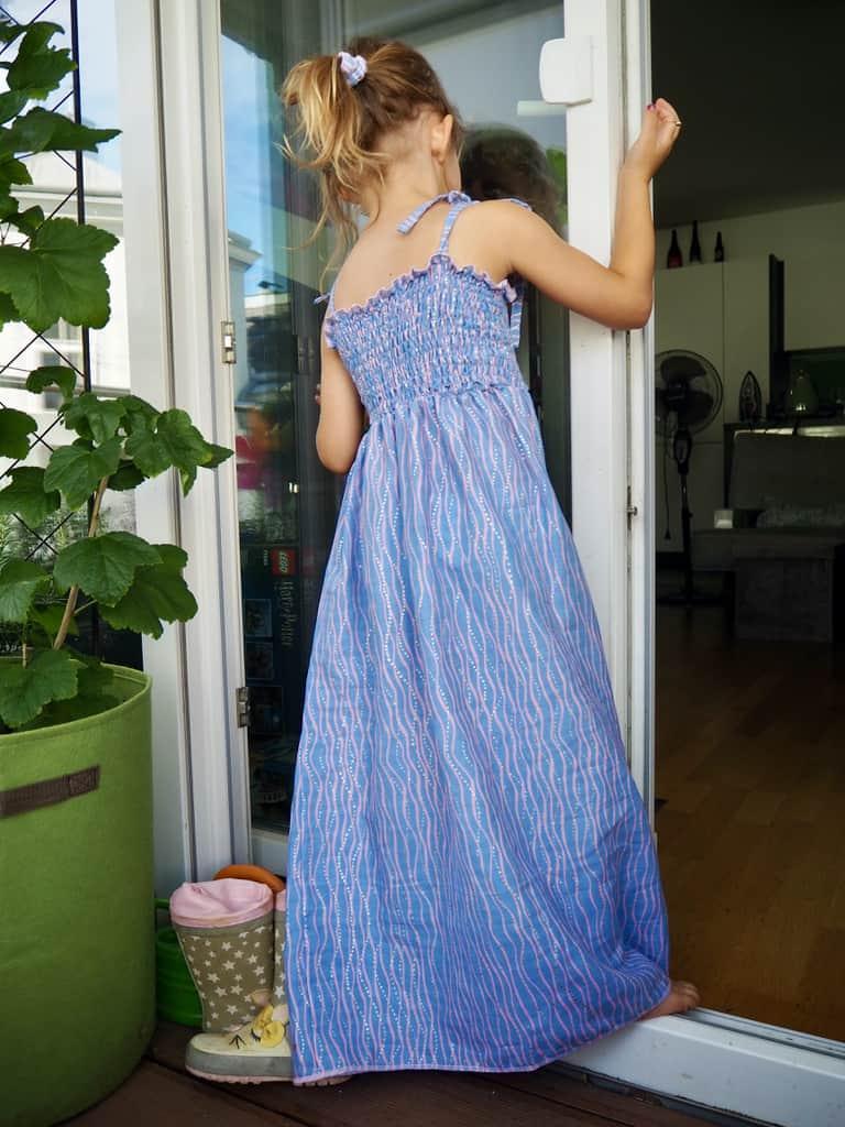 gesmoktes Kinder-Sommerkleid