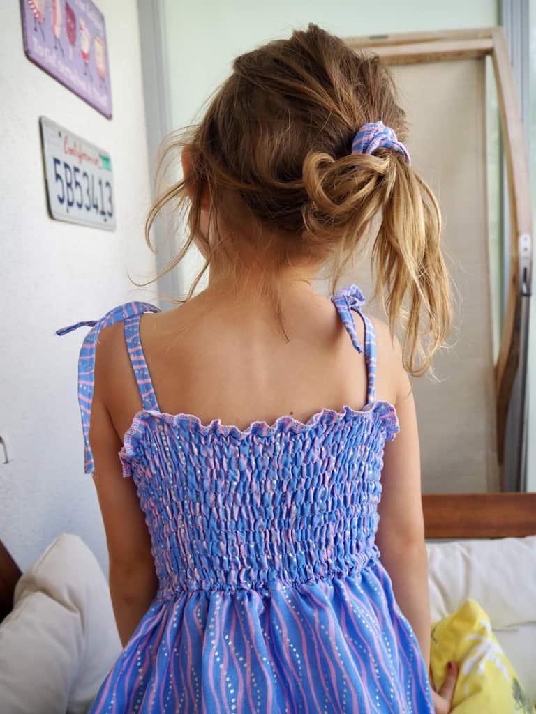 Kleid mit gesmoktem Oberteil